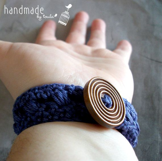 Dark purple crochet bracelet by HandmadeByToula on Etsy, €4.00