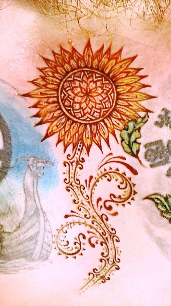 """""""Towards The Sun""""  Freehand bespoke tattoo by Clare Lupino  #sunflowertattoo #flower #bespoketattoo #clarelupinotattoos #arcanumhebdenbridge"""