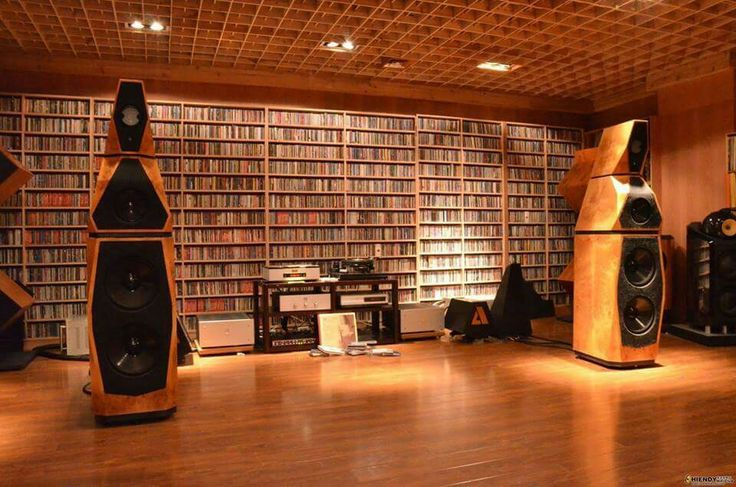 Avalon Acoustics Sentinel speakers in a fabulous listening room ! Check the CD collection...