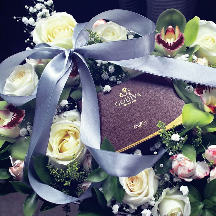 Box of flowers and chocolate by #MHDSY