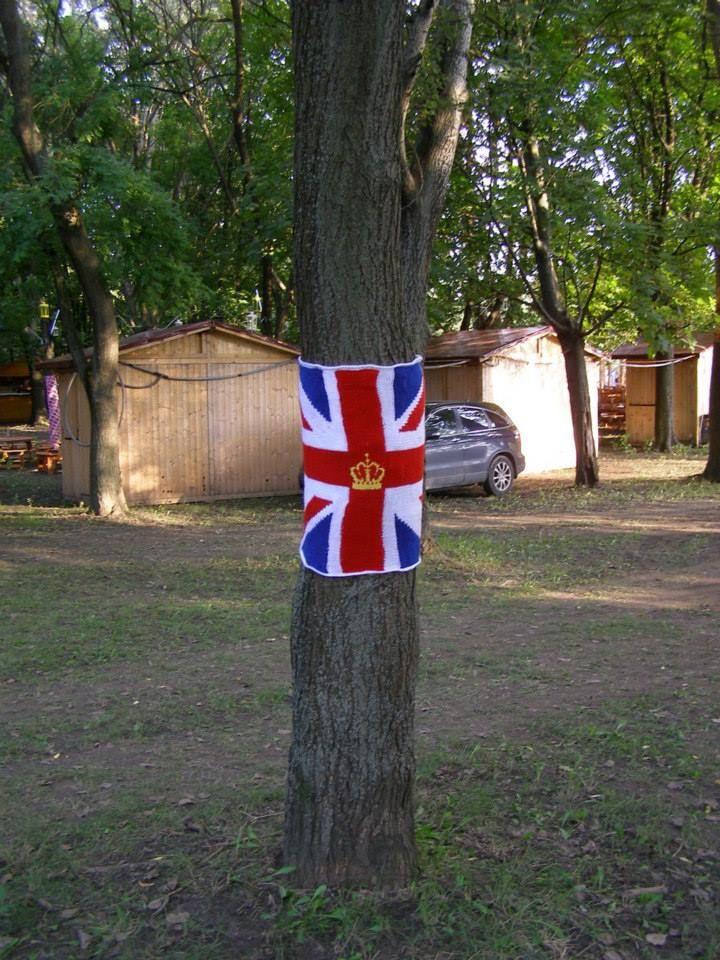 2014. Sziget fesztivál Fröccskert fa; brit zászló.
