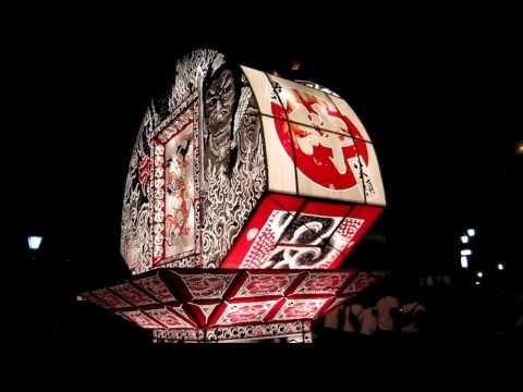2012年5月26日(土)、第一回ふくしまフェスティバルin会津が会津若松市で開催。 弘前ねぷた祭りが大トリで出陣です。 鏡絵が『白虎隊』、見送り絵は『勇婦』を描いています。 東北人の絆を感じさせるフィナーレにふさわしい山車です。
