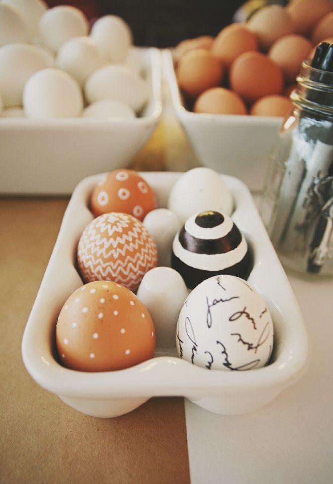 modern easter eggs via seejaneblog