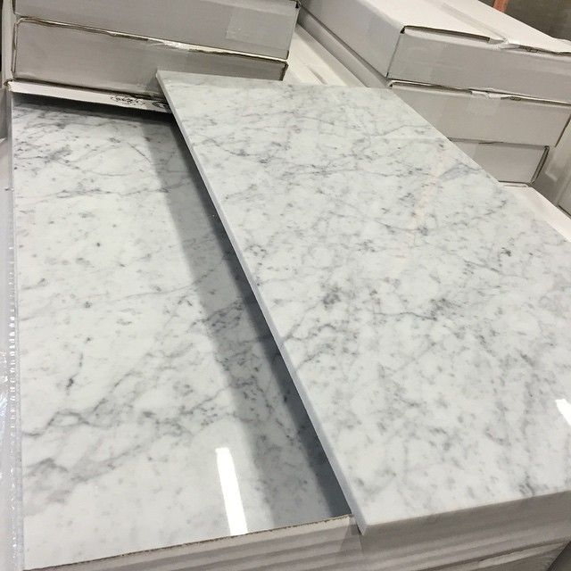 kta marmor bianco carrara bild fr n lagret carrara marmor stonefactory badrum inspiration. Black Bedroom Furniture Sets. Home Design Ideas