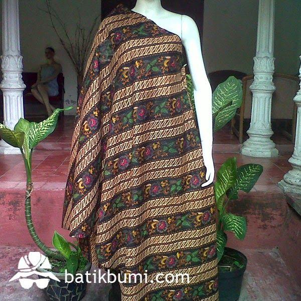 Kain #Batik motif lawasan #Parang kombinasi dengan sistem pembatikan menggunakan metode batik cap kombinasi batik tulis. Motif kain elegan dan nyaman dipakai,krn menggunakan bahan dengan kualitas premium.