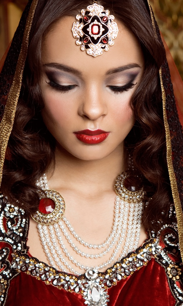 21 Best Images About Asian Bridal Makeup (Indian) On Pinterest | South Asian Wedding Indian ...