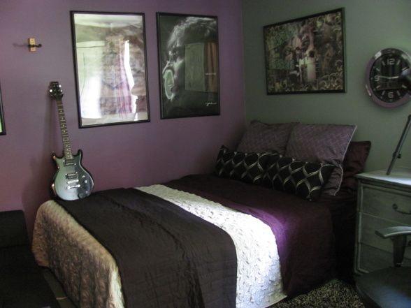 Masucline purple bedroom