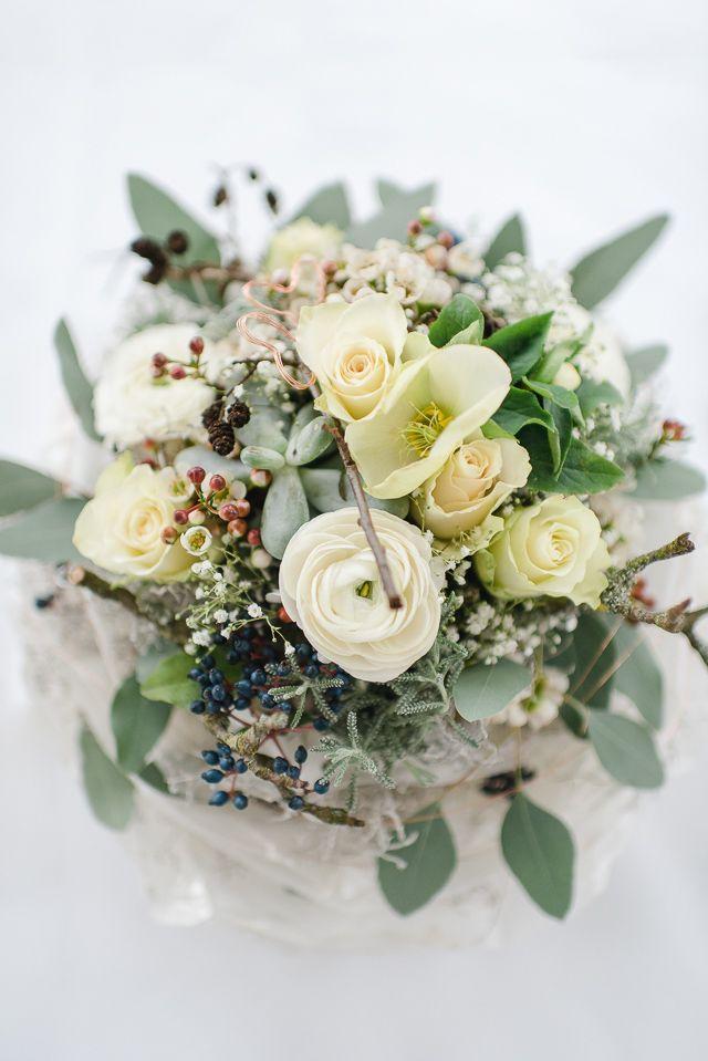 brautstrauß Elegante Hochzeit im Winter in zartem Serenity und ...