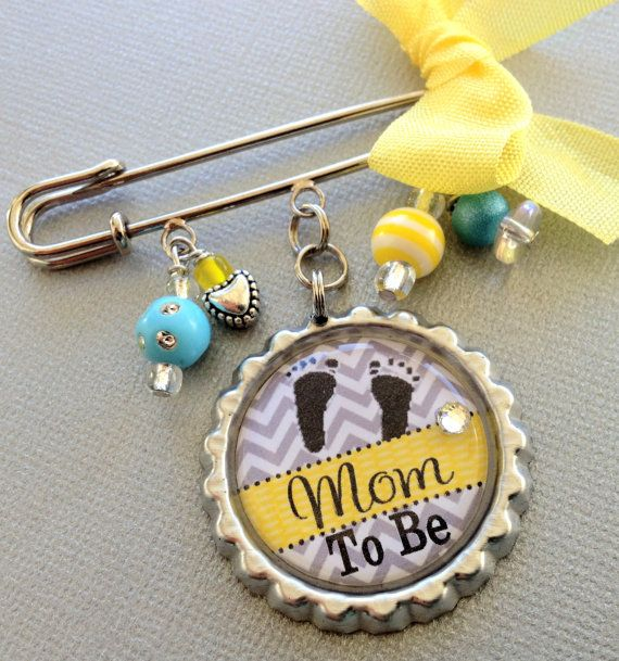Hey, I found this really awesome Etsy listing at https://www.etsy.com/listing/165659683/grandma-to-be-mom-to-be-aunt-to-be