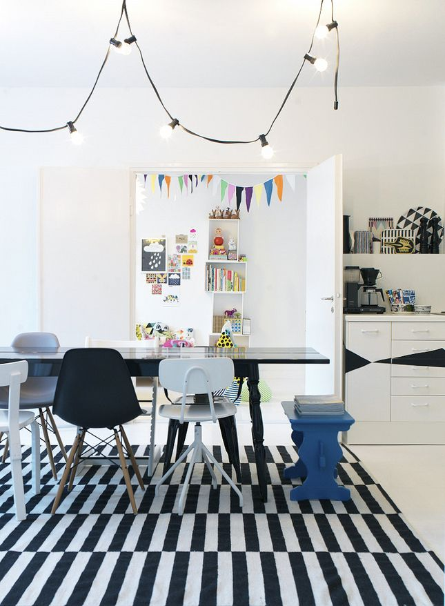 designKitchens, Hanging Lights, Dining Room, Black And White, Interiors, Dining Chairs, Black White, String Lights, Rugs