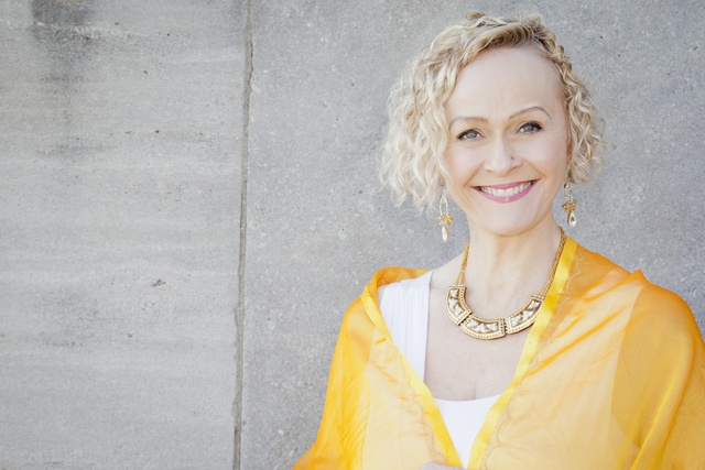 {Healers Market}: Do you need some Intuitive Healing. Then come get a Reading with Cynthia Long at my Healers Market on Sunday, June 2 from 3:00 to 6:00 pm.You'll be amazed by her. http://www.cynthialong.ca www.rejuvenationroom.ca