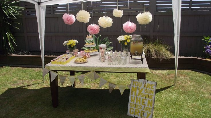 Party table you are my sunshine 1st birthday