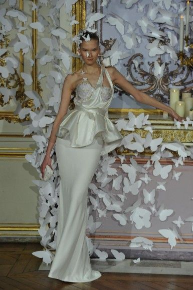 Abiti da sposa Haute Couture Parigi 2014 - http://www.tentazionedonna.it/abiti-da-sposa-haute-couture-parigi-2014/ #sposa #wedding #HauteCouture #Parigi #abitodasposa #tendenze #Mabille #matrimonio #nozze #abito