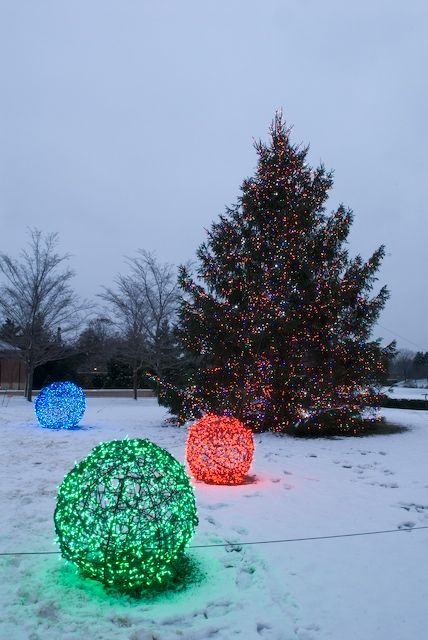 How to Make: Unique Outdoor Christmas Decorations - site has other tips.