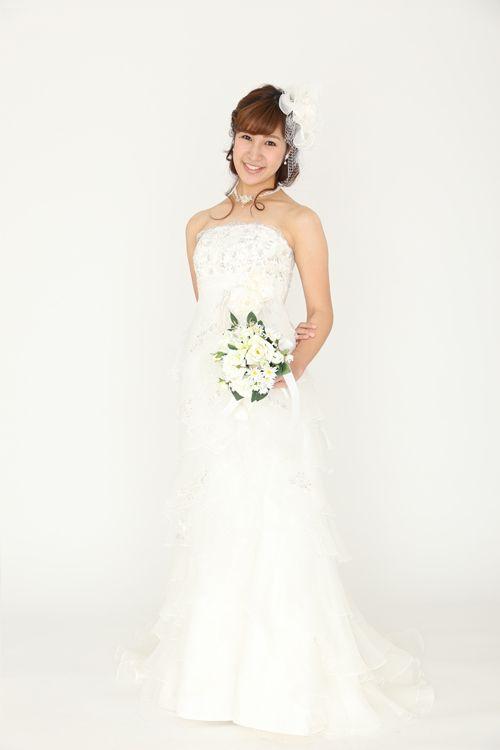 ウェディングドレス lnis 7138 ウェディングドレスのレンタルなら大阪ピノエローザへ