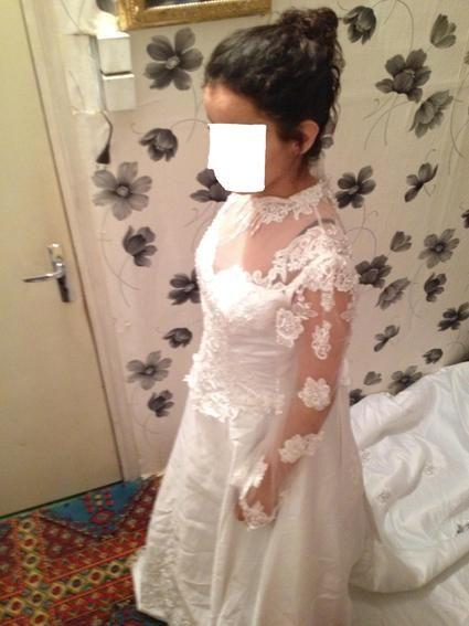 Robe de mariée  avec longue traîne et voile d'occasion à Lens