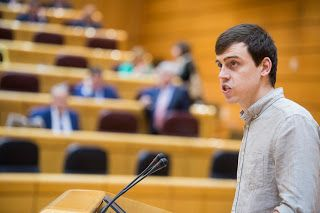 """Ferran Martínez (Unidos Podemos) pide al PSOE que resuelva su """"bipolaridad a la hora de defender a los valencianos"""" después de la moción del Corredor Central"""
