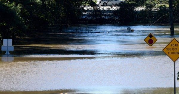 Βόρεια Καρολίνα: Χιλιάδες οι εγκλωβισμένοι λόγω του τυφώνα Μάθιου