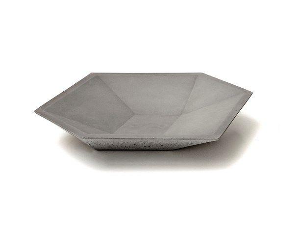 Qube plate designed by Valentino Marengo