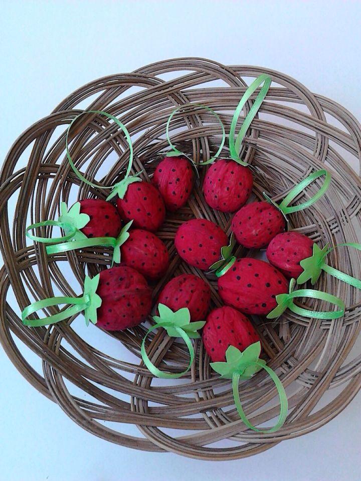 Strawberries φραουλες