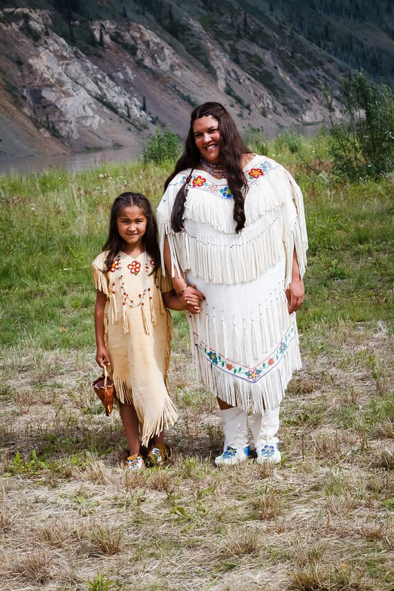 Handmade Weddings: Native Alaskan Splendor