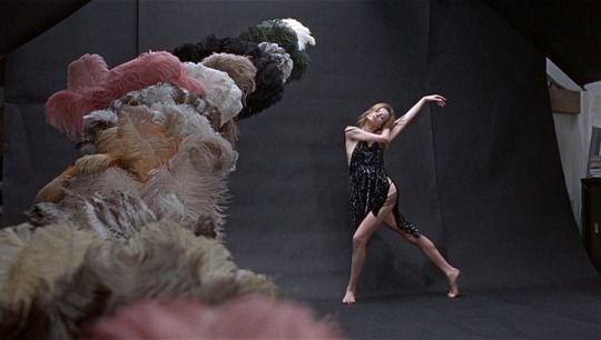 Blow-Up (1966, Michelangelo Antonioni) / DoP: Carlo Di Palma