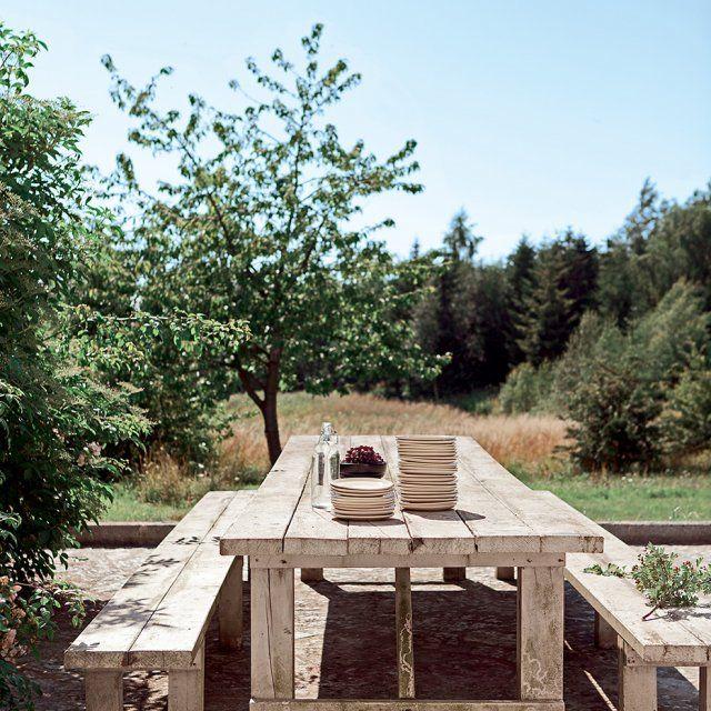 ♥ Une salle à manger de plein air d'une extrême simplicité.