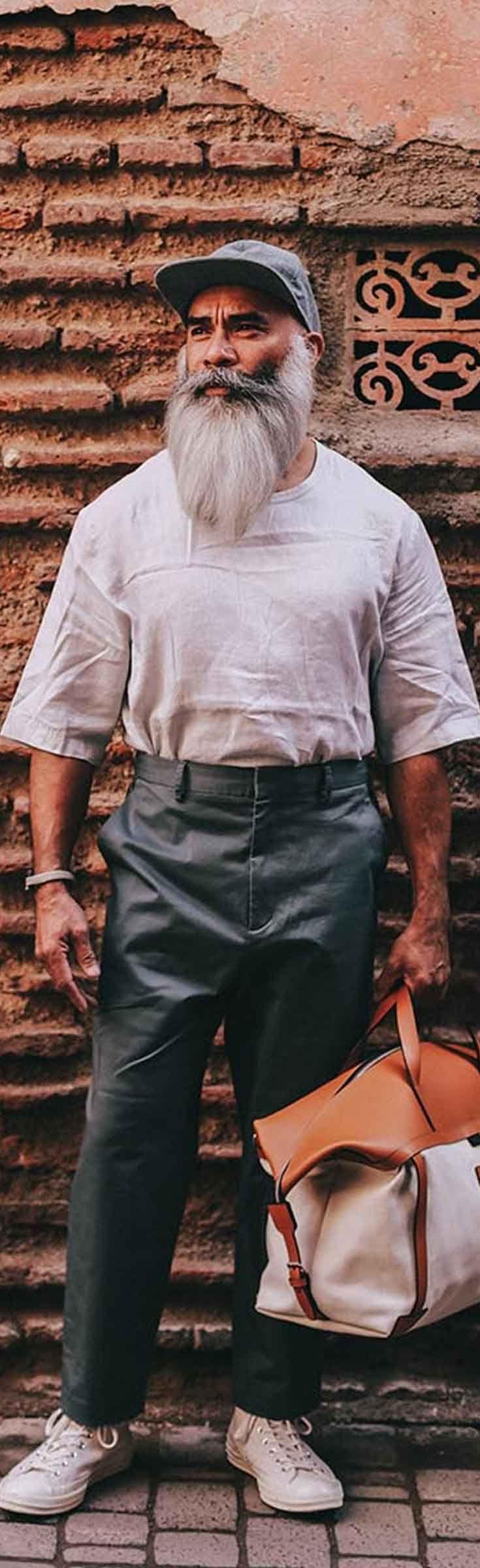 De Pig & Hen armbanden zijn handgemaakt in Amsterdam. Door het gebruik van authentieke schipperstouwen varen zij mee op de Nederlandse erfenis. De armbanden van Pig and Hen zijn bedoeld om een leven lang te overleven. Ze zijn sterker dan staal en zal verouderen zoals je gerimpelde gezicht. Pig & Hen, sterker dan staal! Pig & Hen mannen armbanden - handmade. Shop Pig and Hen armbanden @ http://www.nummerzestien.eu/pig-and-hen/