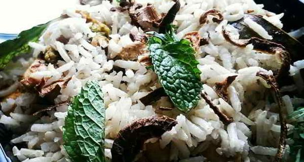 Healthy recipe: Smoked chicken biryani - Yahoo Lifestyle India