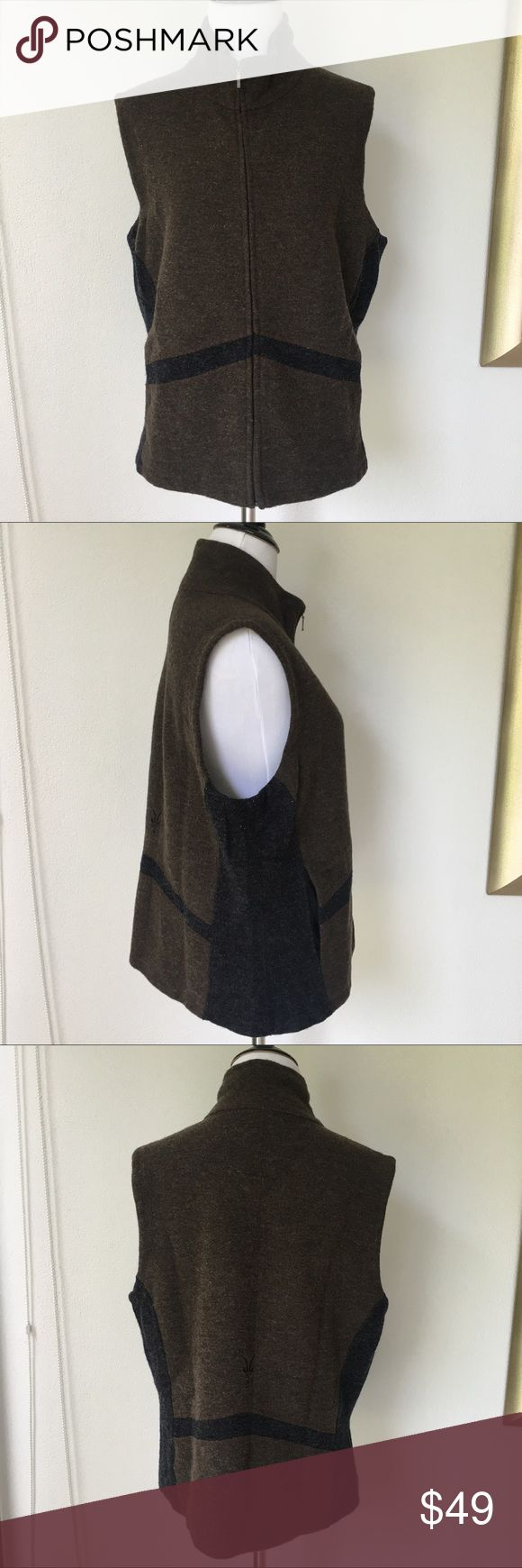 "Ibex Women's Wool Brown Full Zip up Vest size XL Preowned authentic Ibex Women's Wool Brown Zip up Vest size XL. Armpit to armpit is 20.5"" inches. Collar to hem is 22"" inches. Please look at pictures for better reference. Happy shopping! ibex Jackets & Coats Vests"