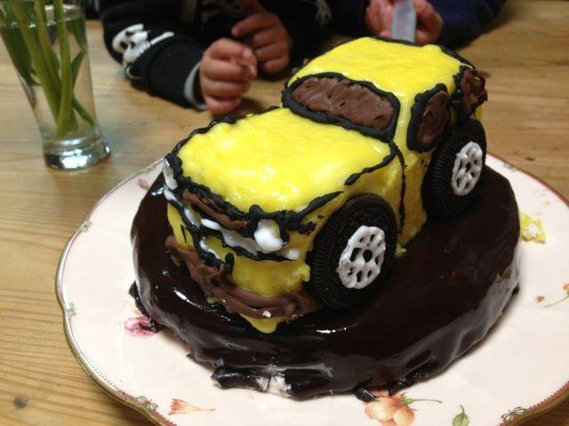 チョコペンをあやつるのって難しい - 58件のもぐもぐ - 車ケーキ by 母さんたぬき