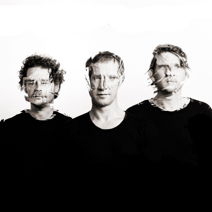KRAAK & SMAAK are a musical production trio from the town of Leiden, Netherlands, consisting of Oscar de Jong, Mark Kneppers and Wim Plug.Their debut album Boogie Angst, was released in the UK 2006. Throughout 2006 & 2007, their shows took them to festivals such as the Pinkpop, Sziget, SXSW, Miami's Winter Music Conference, Bonnaroo, Coachella, the Australian Good Vibrations Festival, and on a first small club tour in the US, during which they opened for Faithless a number of times.