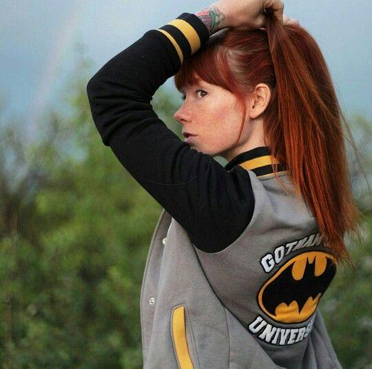Buenos días  #batmanyrobin #batman #thedarkknight #colombia #comicsstyle #dccomics #look #moda #outfit #girls