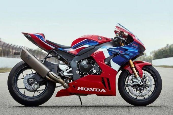 2020 Honda Cbr 1000rr R Fireblade Gets A New Engine Makes 214bhp Honda Fireblade Honda Cbr 1000rr Honda Cbr