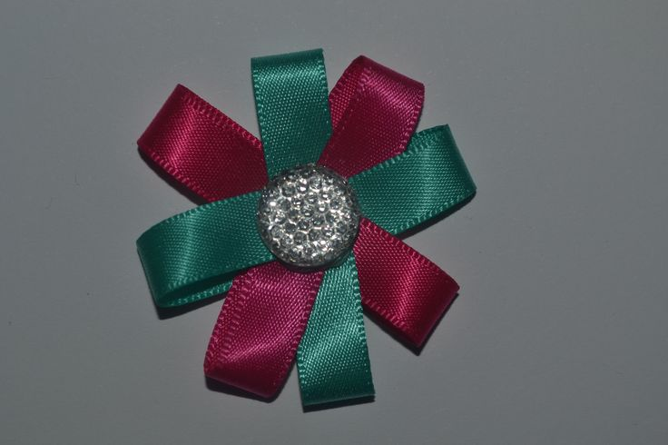 Pink and green flower clip! Must have!