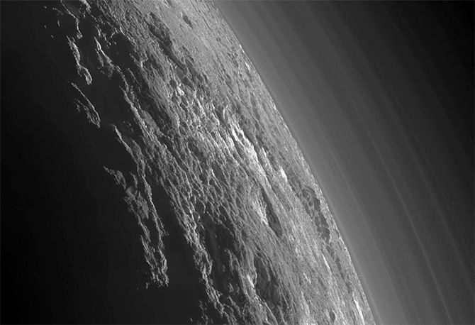Behold the Backlit Beauty of Distant Pluto : Discovery News