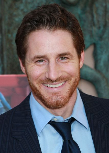 Sam Jaeger is so hot! I love his beard!
