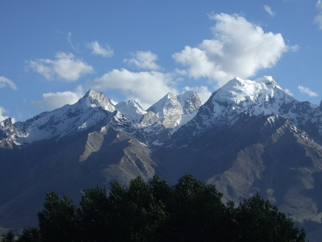 The Magnanimity of Ladakh Trekking Tour With Divine Snowy-White Mountains