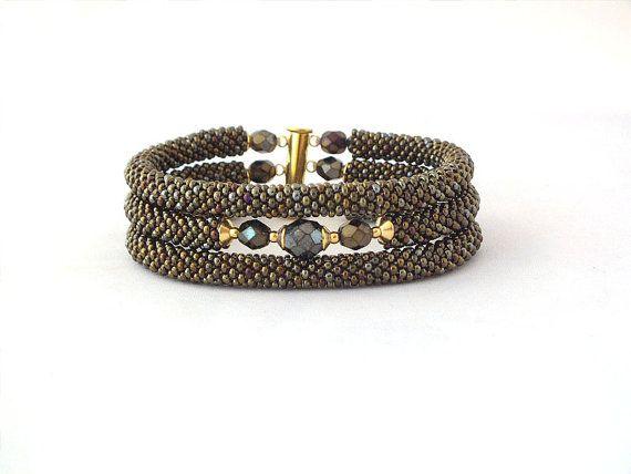 Triple beads rope bracelet with glass iris brown
