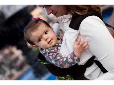 Boba Накладки на лямки рюкзака  — 1200р. ----------------------- Когда у ребенка режутся зубы, то он сосет и грызет все, что находится рядом, а находясь в слинге или рюкзаке, он начинает сосать и грызть лямки слинга или эрго-рюкзака, от этого лямки пачкаются. Накладки позволяют решить эту проблему.Накладки Boba (Боба) выполнены из органического хлопка, отлично впитывают влагу, быстро сохнут, берегут мамино время, избавляют от ненужной стирки целого рюкзака.