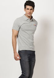 Grey coloured polo T-shirt for men from Phosphorus. Made from 100% cotton, this T-shirt features regular fit and half sleeves.