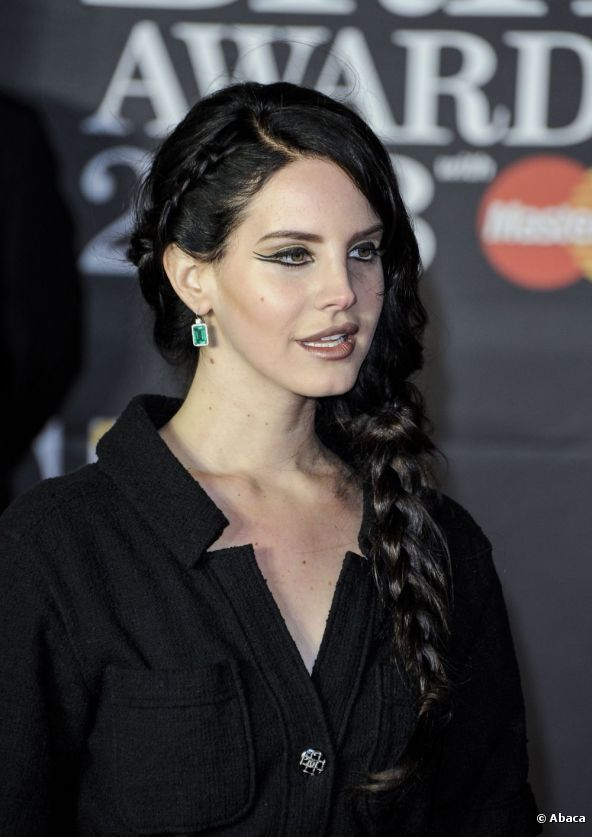 Love that look on you Lana!! <3