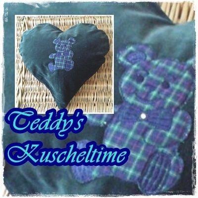 Kissen - ♥*Samt-Teddy* Herzkissen 100 - ein Designerstück von Knopf-Fetischistin bei DaWanda