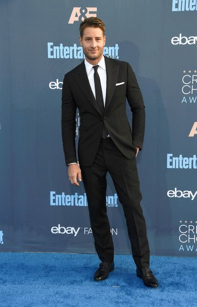 Justin Hartley attends The 22nd Annual Critics' Choice Awards at Barker Hangar on December 11, 2016 in Santa Monica, California.