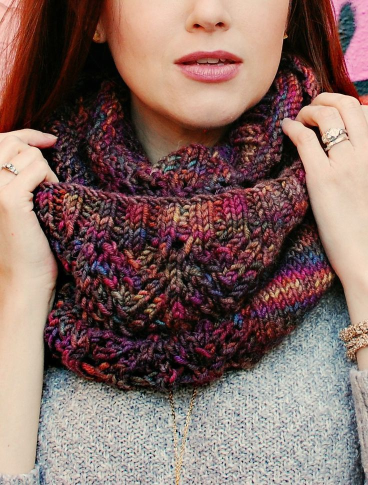 Fairy Mist Cowl knitting Pattern - Perfect for solid or variegated yarn! Knitting pattern has instructions for laceweight, fingering weight, DK weight, worsted weight, and bulky weight.