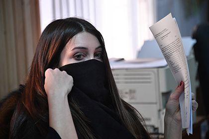 Мару Багдасарян заподозрили в подделке больничного       Судебные приставы заподозрили Мару Багдасарян в использовании поддельного листка о временной нетрудоспособности. 8 февраля фигурантка дела о гонках на Gelandewagen прогуляла обязательные работы в «Жилищнике района Сокол», предоставив в оправдание фальшивый больничный. Решается вопрос о возбуждении уголовного дела.