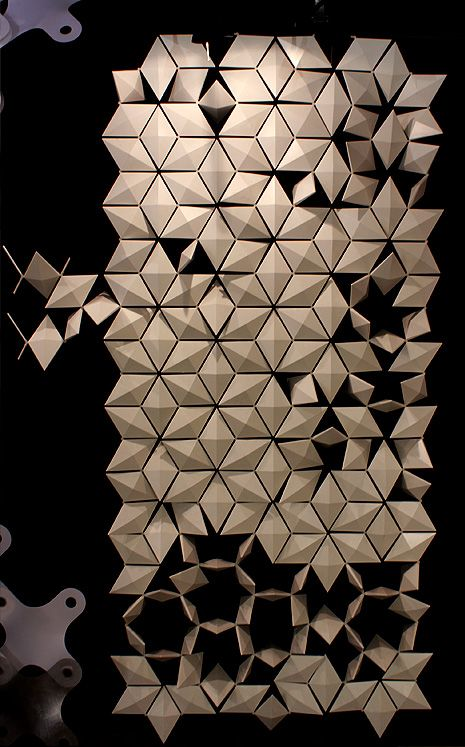 Triangle Wall Installation (one net, screens overlapping)