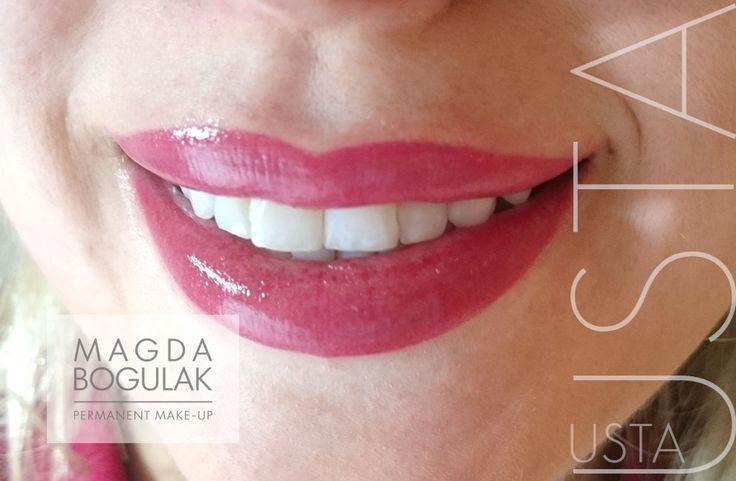 Makijaż permanentny ust z wypełnieniem.