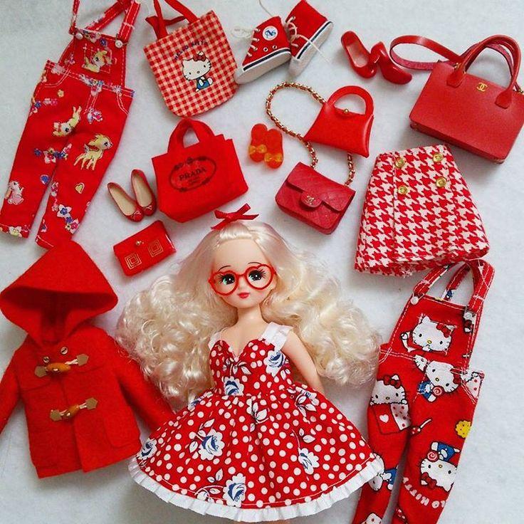 昨日@satosatofr さんから #レッドバトン いただいたので😊私のお気に入りの赤いもの集めました❤❤❤ リカちゃんって赤が似合いますよね🎵 リカちゃんが着てるワンピースは@tomomi04190204 さんmade💕 ハートのメガネは @umi_licca_mix さんmade💕 他の洋服は私made💕 次のバトンは @shiotsunvie さんと @yu926k さん にお願いしてもいいですか😊 お二人ともリカちゃんのクローゼット沢山お持ちなのでぜひよろしくお願いします❤ #リカちゃん#licca#ハンドメイド#handmade #ファッション#fashion#doll#ドール#レッドバトン#キティーちゃん#CHANEL#プラダ