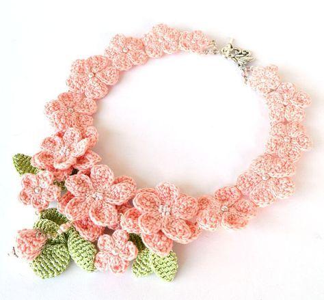 pink crochet necklacepastel crochet necklaceshabby by Marmotescu
